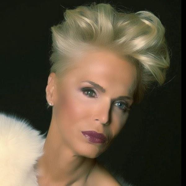 Wanita Transgender Cantik