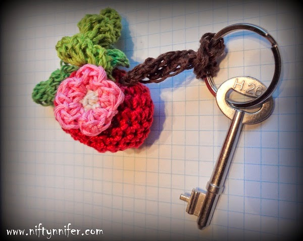 Free Crochet Pattern ~ Crab Apple Dangle http://www.niftynnifer.com/2014/09/free-crochet-pattern-crab-apple-dangle.html #Crochet