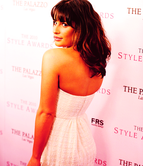 Lea Michele Hairstyles 32