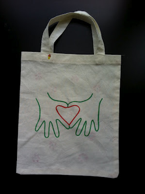 heart-shaped hands tote bag