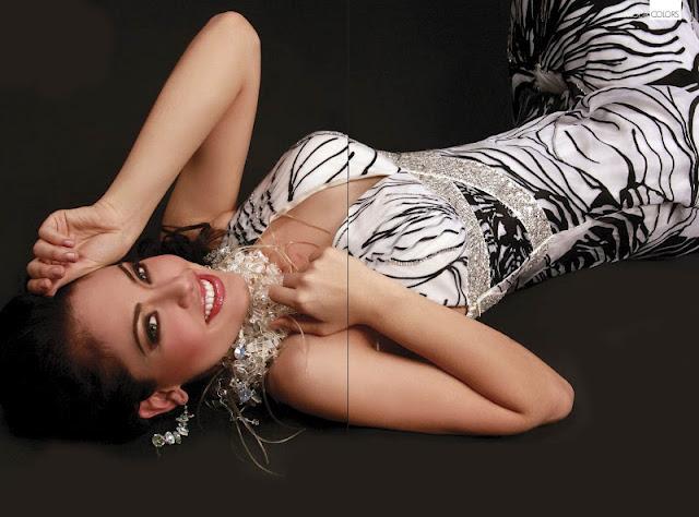 Perla Beltran sexy in dress