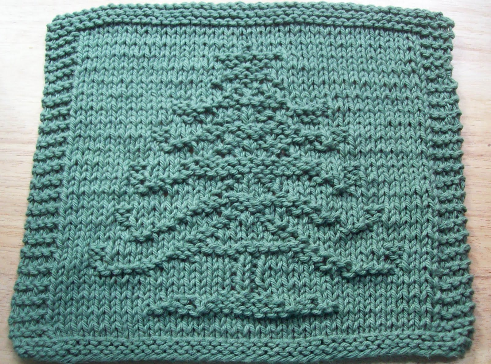 Dish Cloth Knitting Pattern : DigKnitty Designs: Another Christmas Tree Knit Dishcloth Pattern