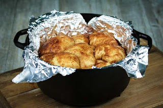 monkey-bread-in-the-dutch-oven