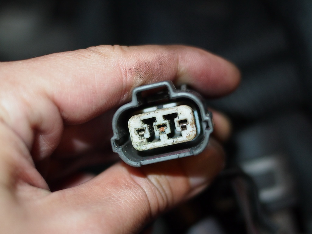 how to clean corroded connection pins