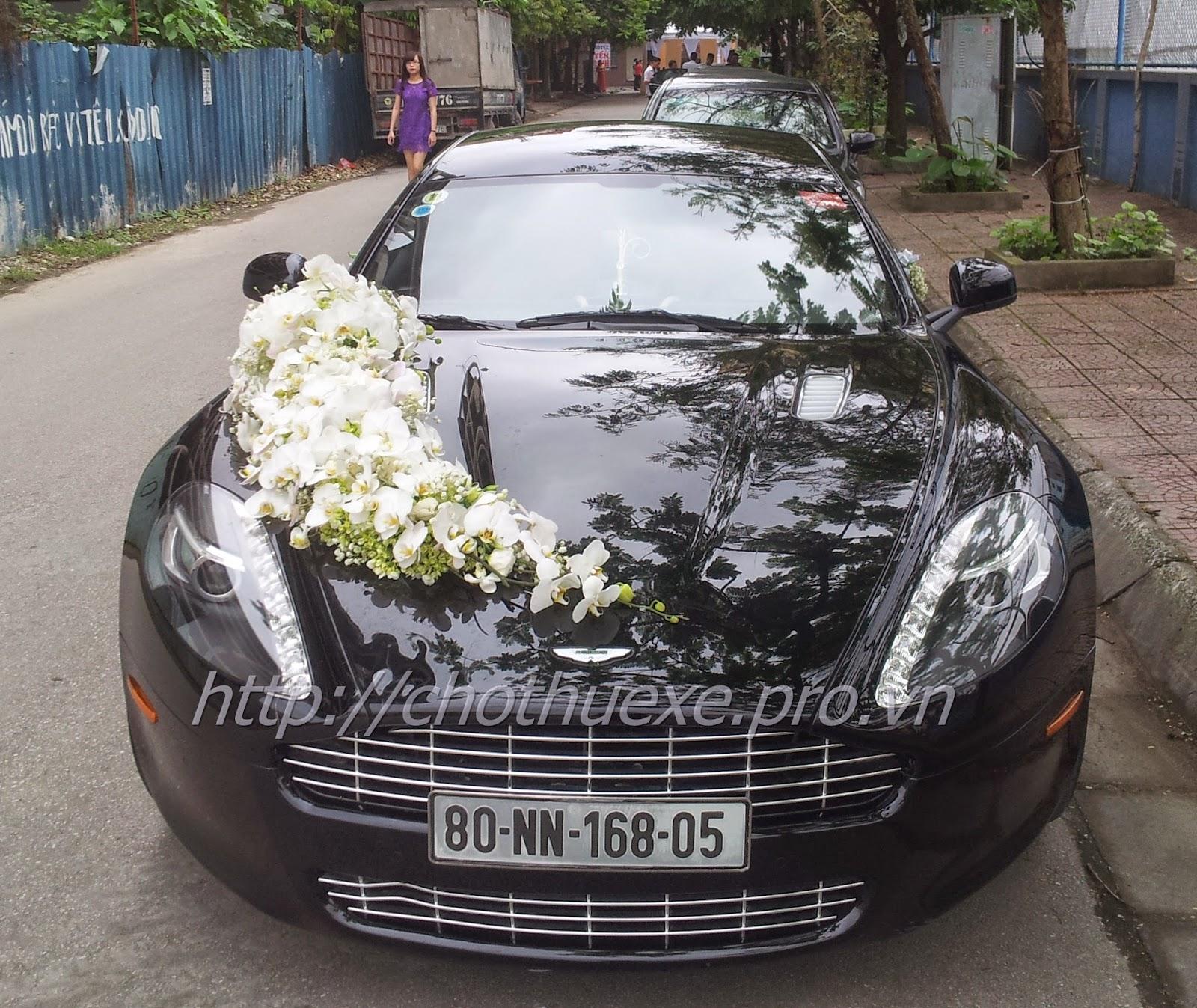 Cho thuê xe siêu xe cưới Aston Martin Rapide tại Hà Nội - giá ưu đãi siêu xe mới
