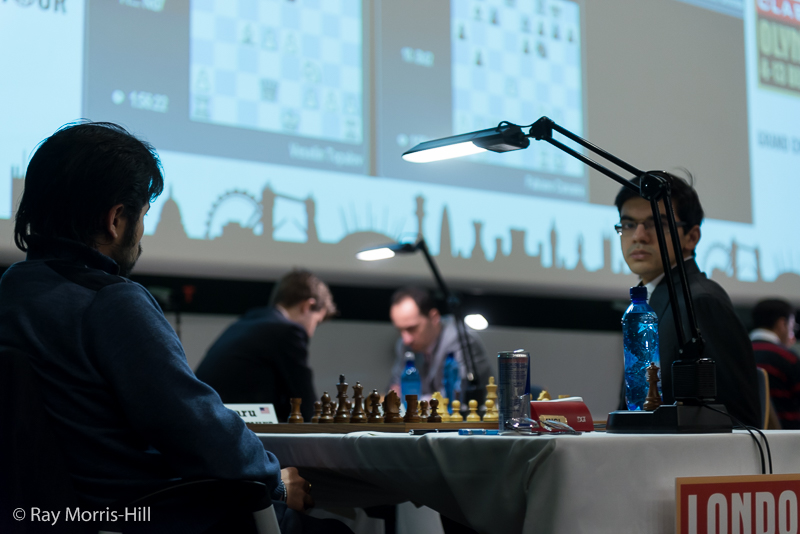 Ronde 8: joli gain d'Anish Giri face à Hikaru Nakamura qui donne sa Dame pour 2 pièces - Photo © Ray Morris-Hill