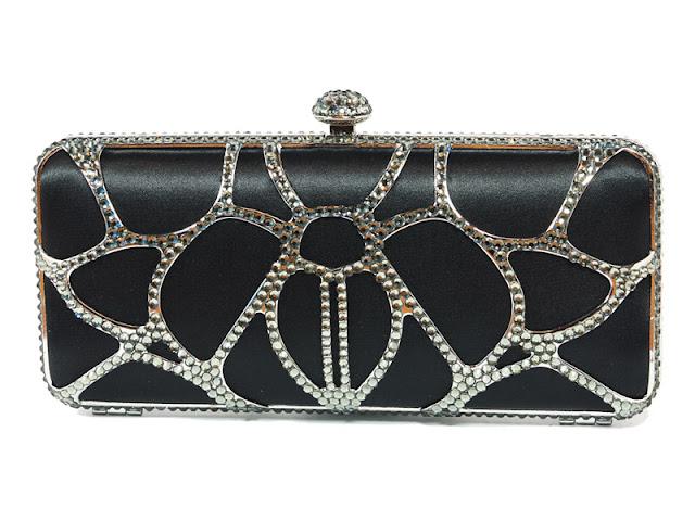 bolso de mano rectangular en negro y plata