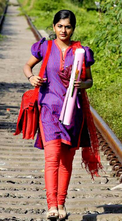 doravari satram movie heroine meera nandan stills3