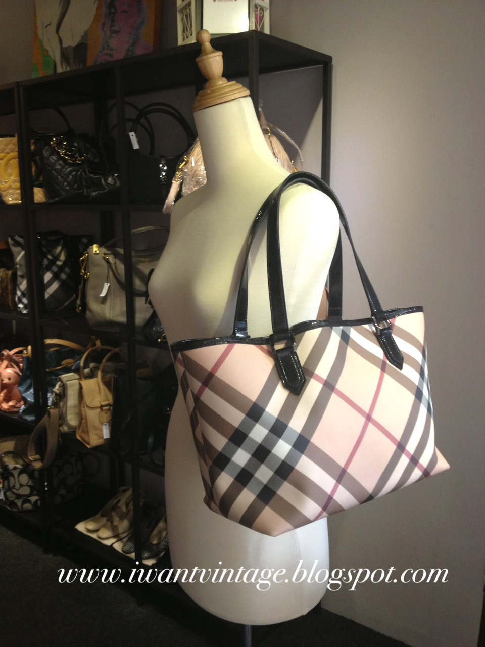 692a4ab7b8e2 Burberry Nova Small Check Tote