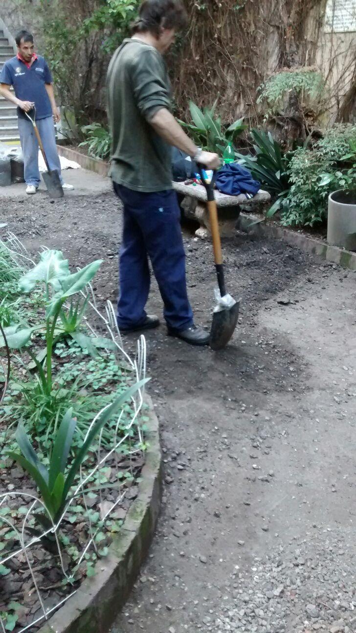 Octavio jardinero octavio jardinero y su equipo de - Trabajo jardinero madrid ...