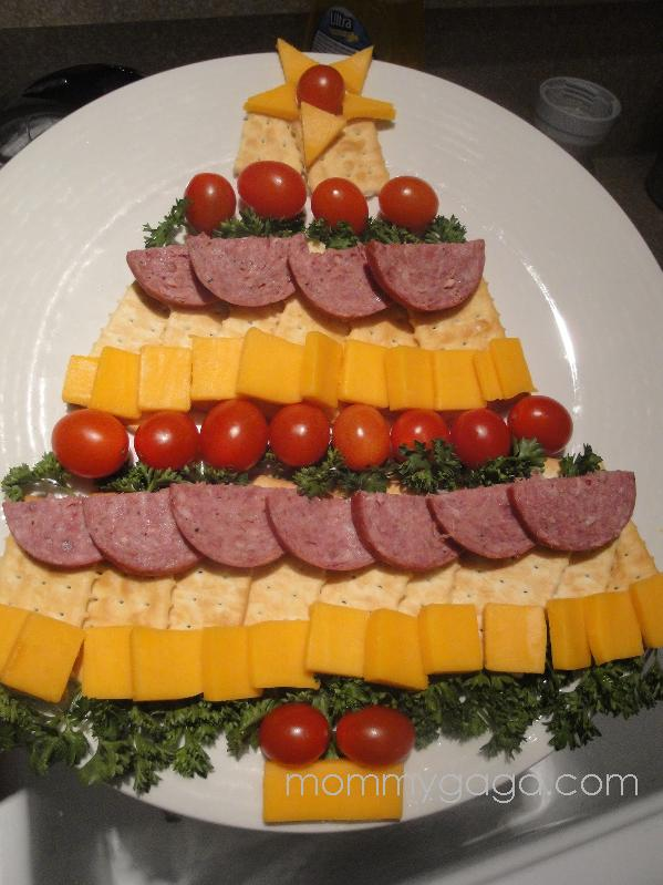 Easy Holiday Party Appetizers Cheese Cracker And Sausage