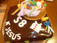 http://www.recetaspasoapaso.com/2011/01/tarta-sacher-y-fondant-m-jesus.html