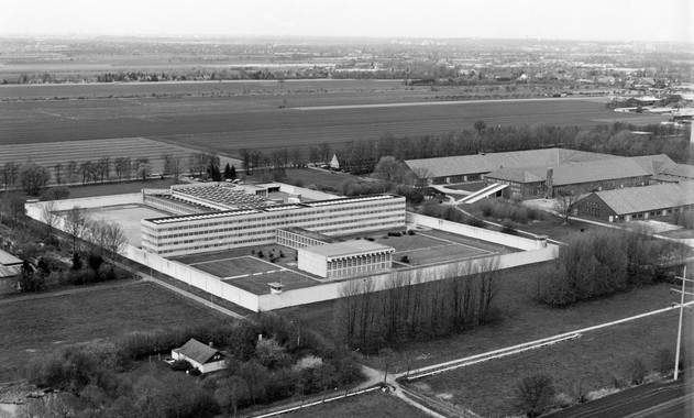 how to get to neuengamme concentration camp