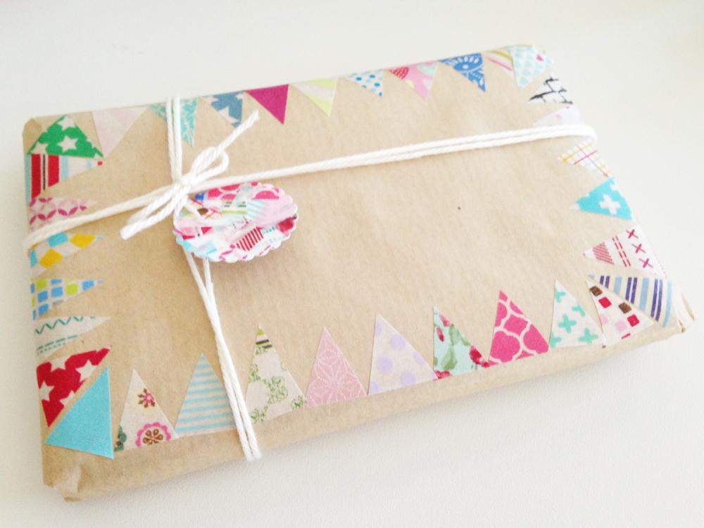 Decorar regalos con washi tape artcreatiu - Decorar con washi tape ...