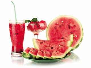 البطيخ من بين اكلات مفيدة في الصيف
