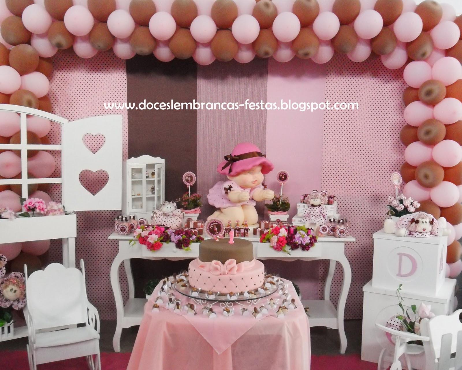 Festa bonecas em marrom e rosa mariana 1 ano