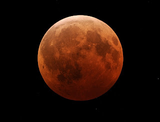 Foto keajaiban alam Gerhana Bulan Total 16 Juni 2011