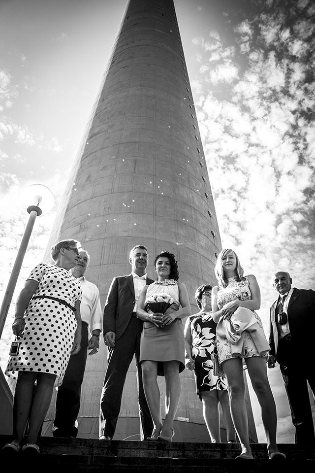 Shooting mit Famiie vor dem Rheinturm Düsseldorf