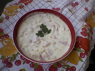 Salată cu șuncă și maioneză
