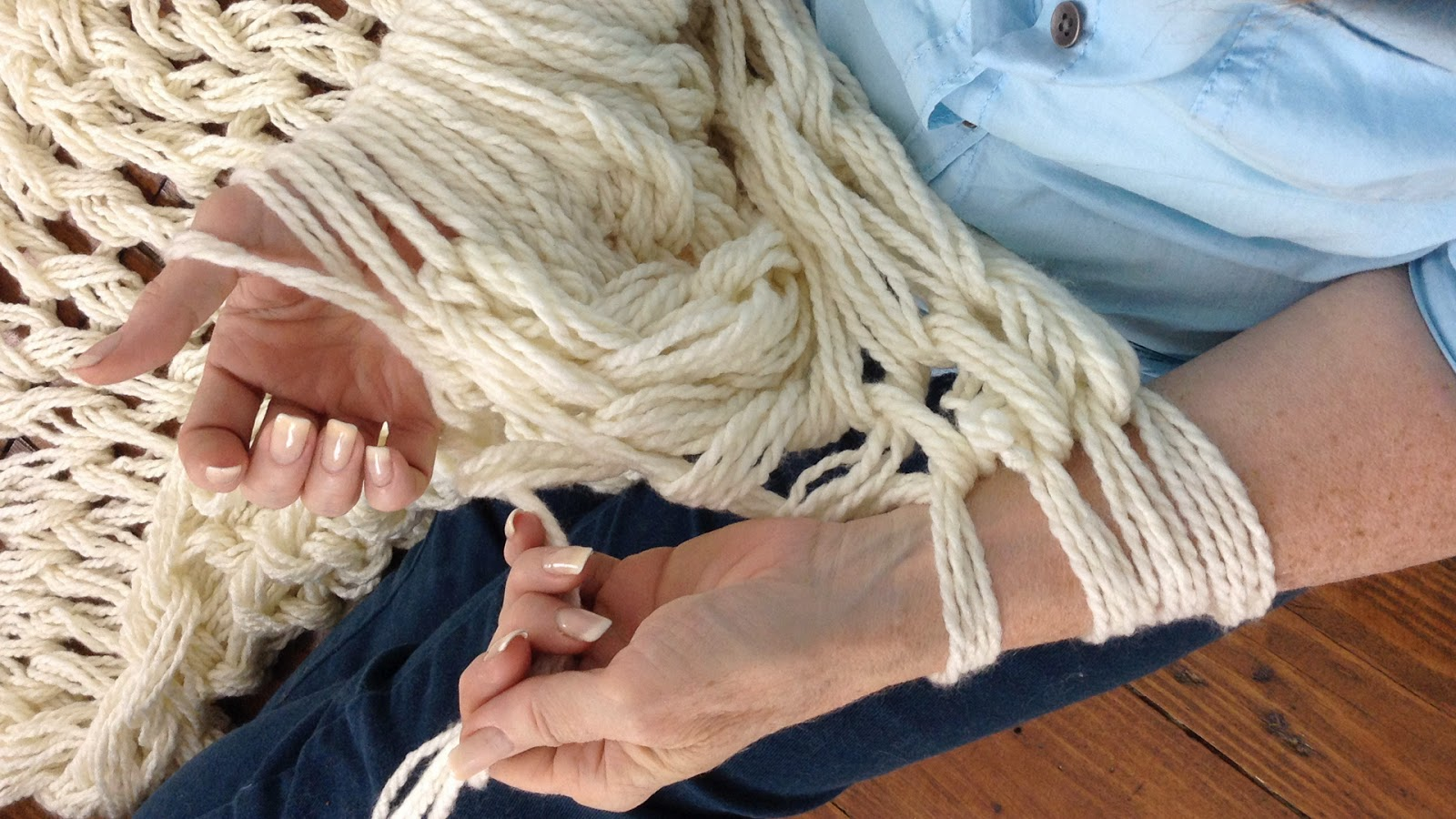 Arm Knitting Left Handed : A whole new premier serenity chunky arm knit afghan