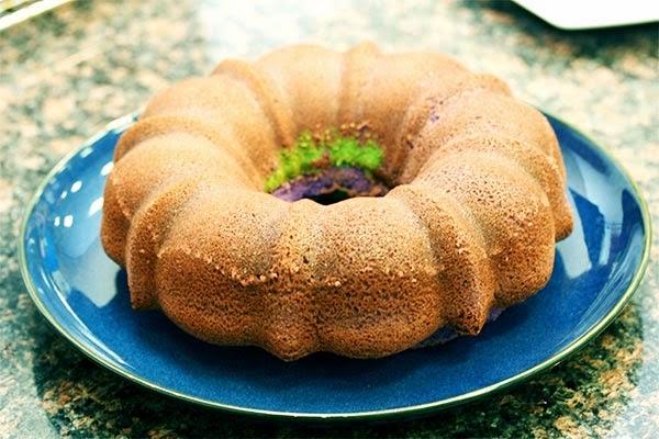 cooled-cake