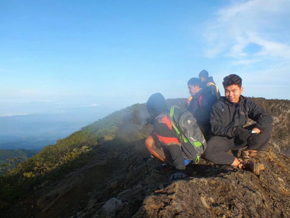 Puncak Berbatu Gunung Ciremai