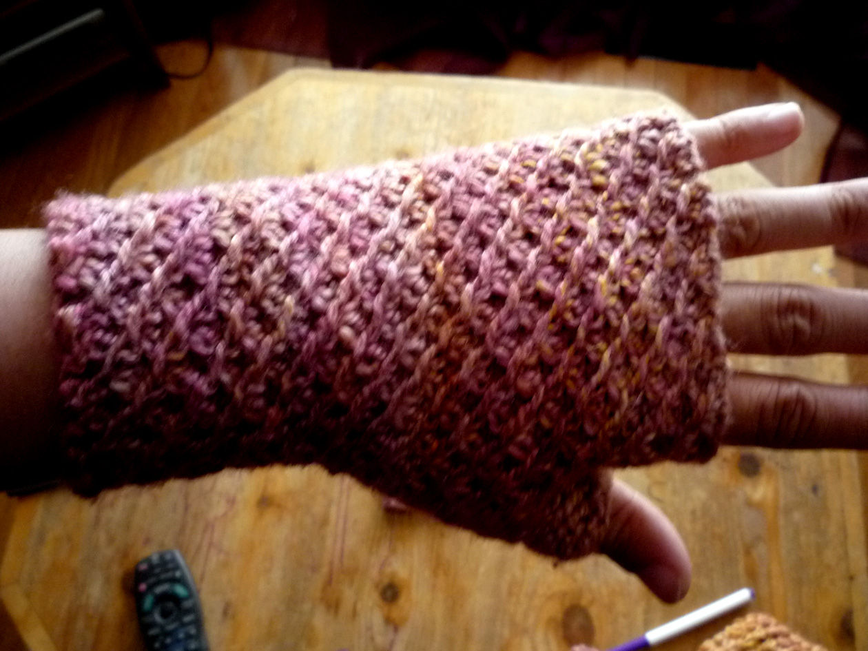 Tangle Knits: Almeda Fingerless Gloves