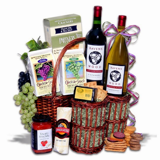 Wine-Party-Picnic-Gift-Basket