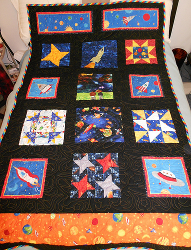 Handicrafty sisters outer space quilt for Spaceship quilt
