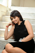 Actress Aarushi Glamorous Photos in Black-thumbnail-12