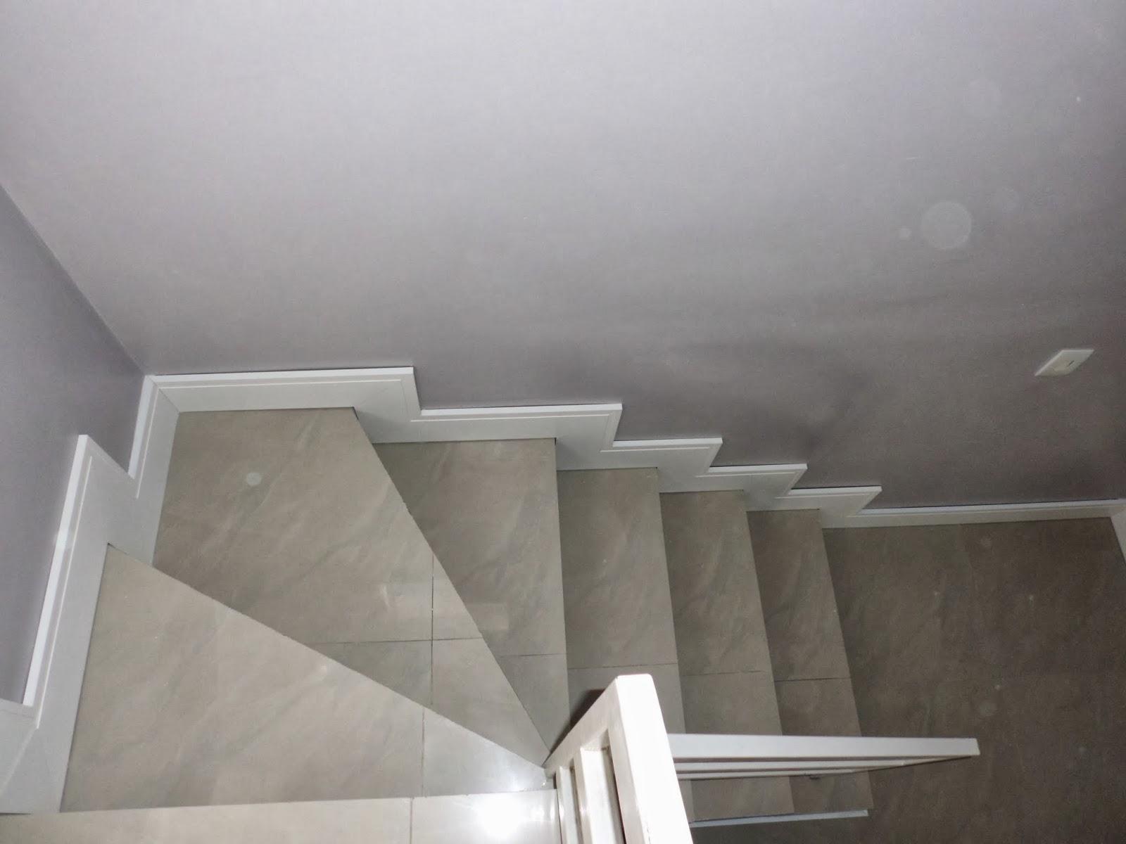 Rodapé de Mdf Branco Instalado em Escadas
