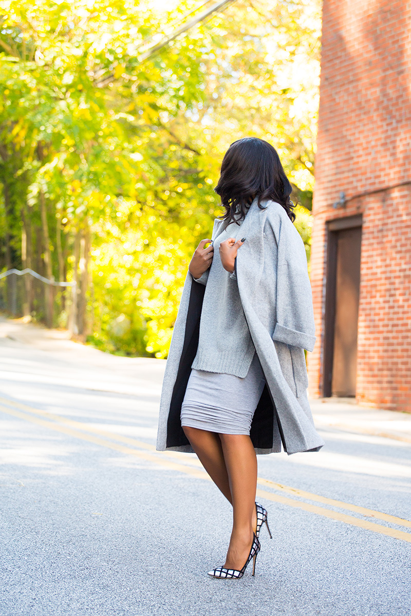 Street style in gray, Missguided midi skirt, www.jadore-fashion.com