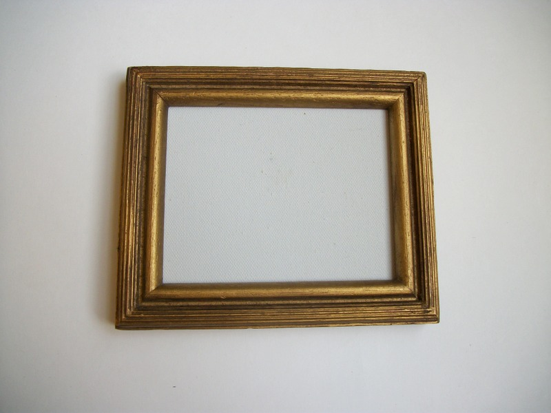 Queenies Vintage Finds Small Vintage Picture Frames Galore
