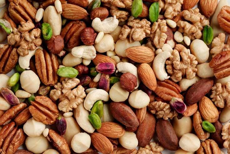 المكسرات من مصادر البروتين في الغذاء