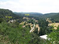 La Vall del Tenes amb Can Torrents i El Cerdà des del Mirador de la Campana