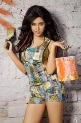 youtube Amrita Rao navel show video