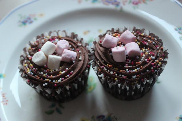 chocolate marshmallow cupcake
