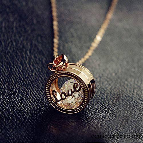Amazingly Beautiful Pendant Necklace