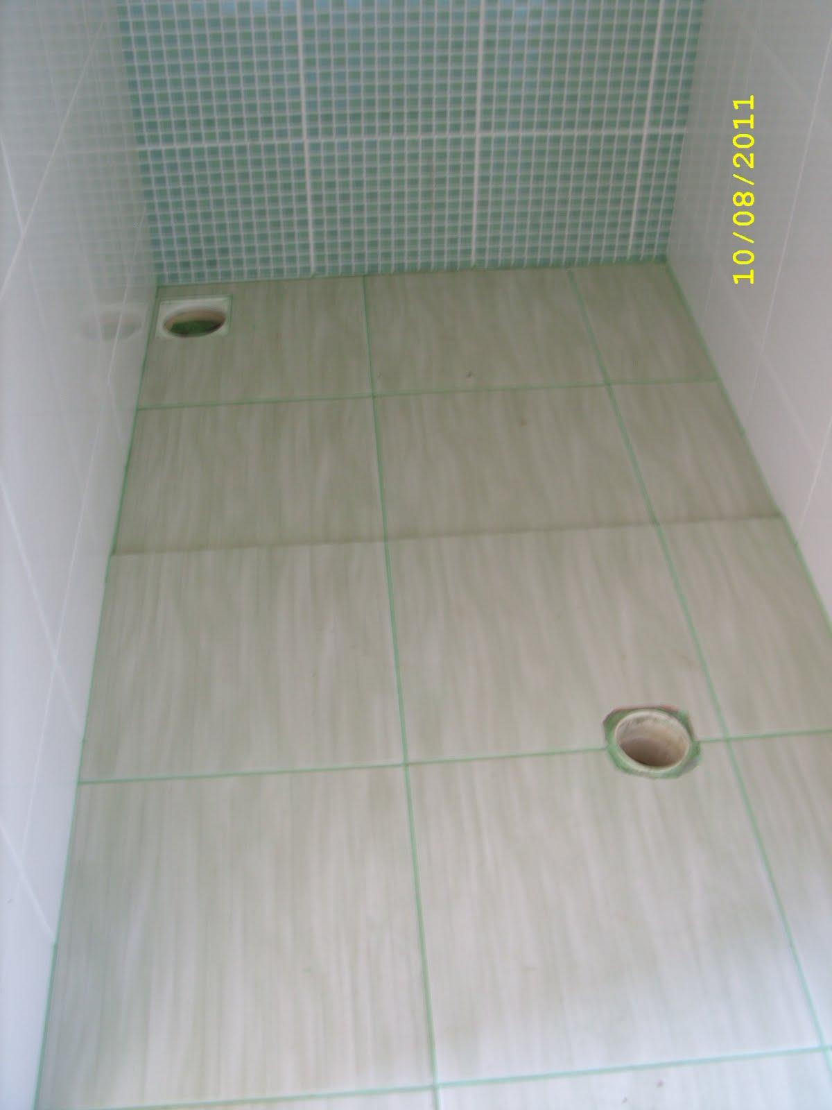Adilson Simone e Lilica em construção!!!: Pisos banheiros #A6A823 1200x1600 Banheiro Com Rejunte Azul