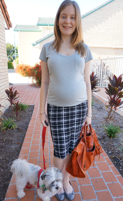 Asos maternity pencil skirt worn in second trimester with grey tee pregnant style blogger