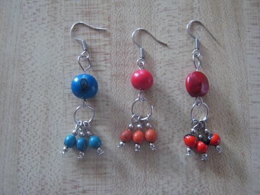 Estos son algunos modelos de collares y aretes que tenemos para ti.