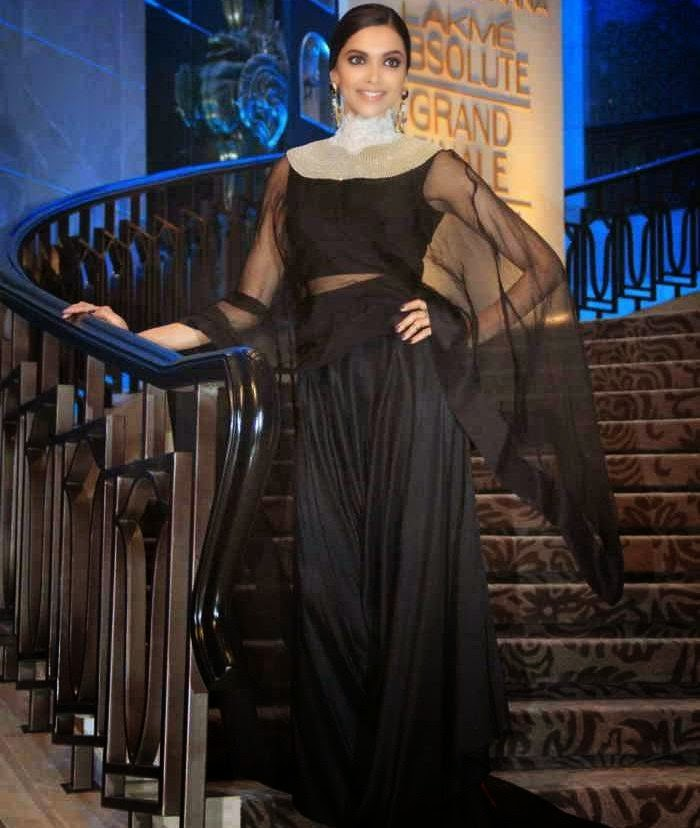 Deepika Padukone Stills At LFW 2015 For Anamika khanna Show