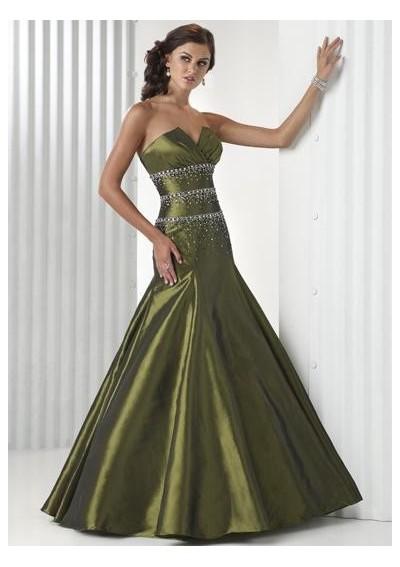 Straplez gelinlik modelleri modası modelleri örnekleri resimleri