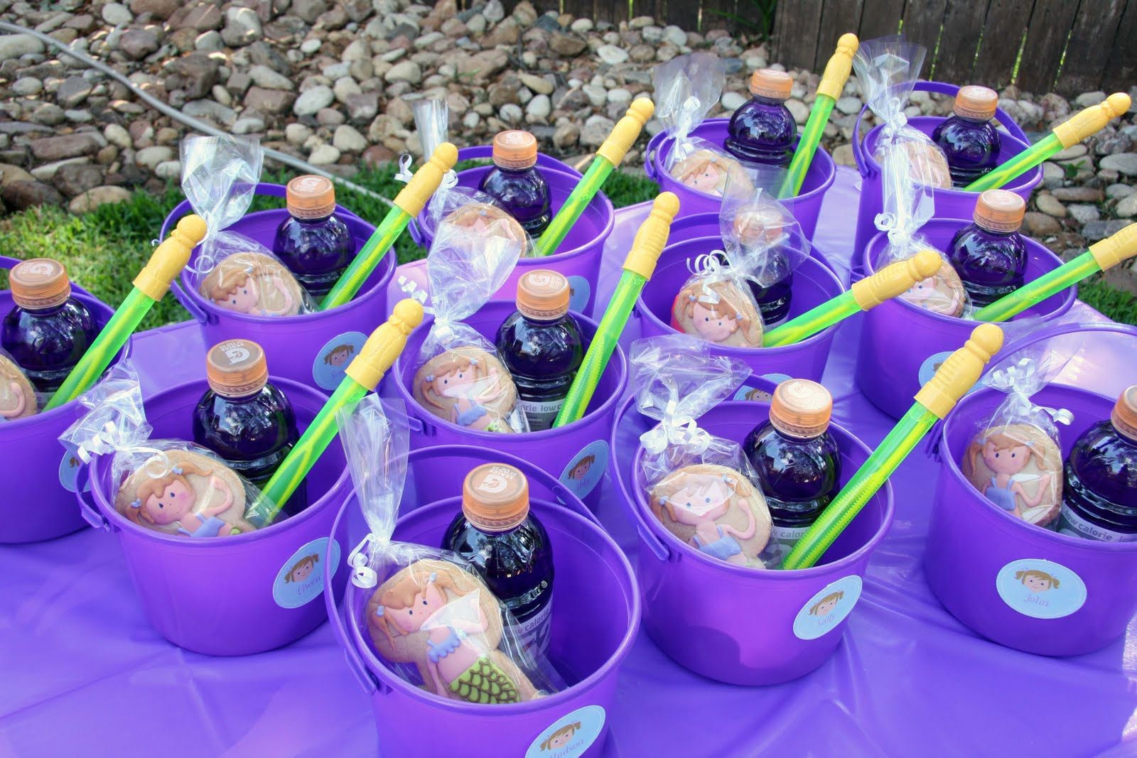 37 Beautiful Purple Party Decorations