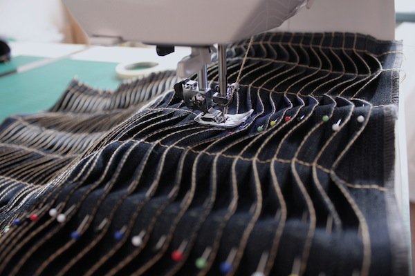 fabric manipulation · almohadón · 17 pespuntear retirando los alfileres · Ro Guaraz