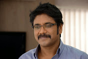 Manam movie stills latest photos-thumbnail-20