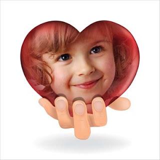 fotomontaje corazón en tu mano