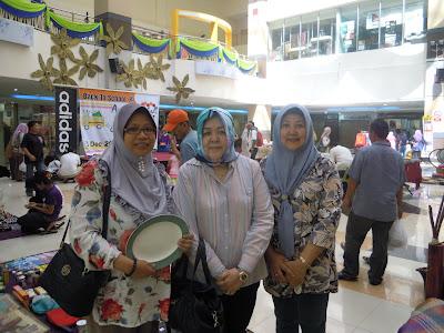 23/12/12 Ahad - Garage Sales Anggerik Mall