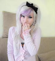 garota-menina-estilo-estilosa-loira-laço-cabelo-colorido-moda