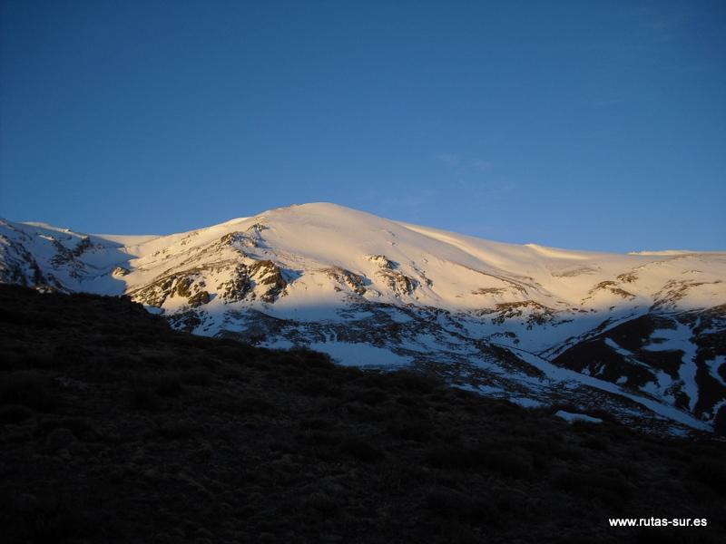 SIERRA NEVADA: Río Alhorí bajo el Picón de Jérez